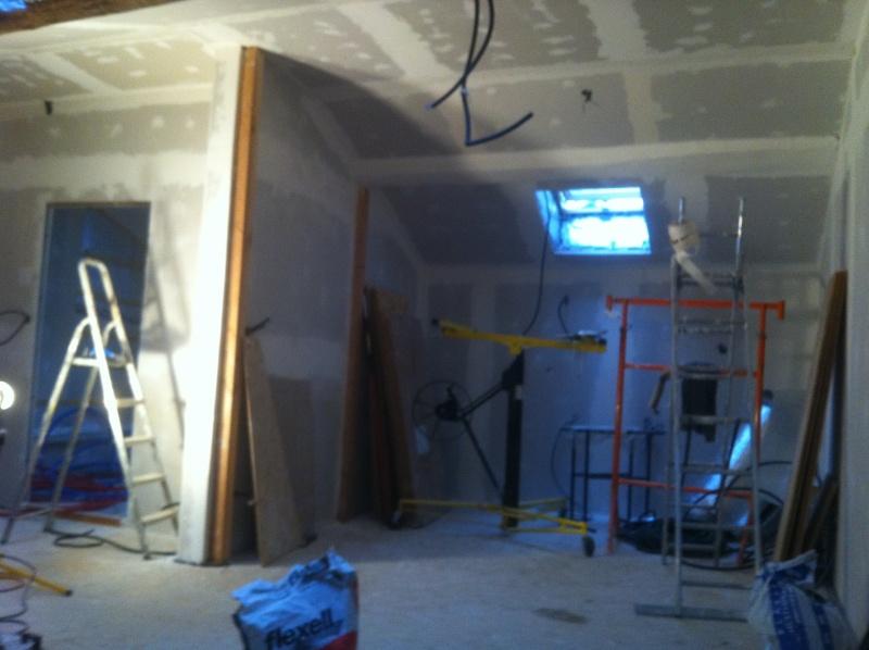 transformation d'une remise en habitation - Page 3 Img_7010