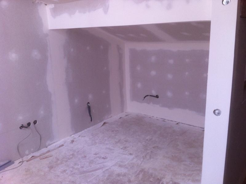 transformation d'une remise en habitation - Page 3 Img_7011