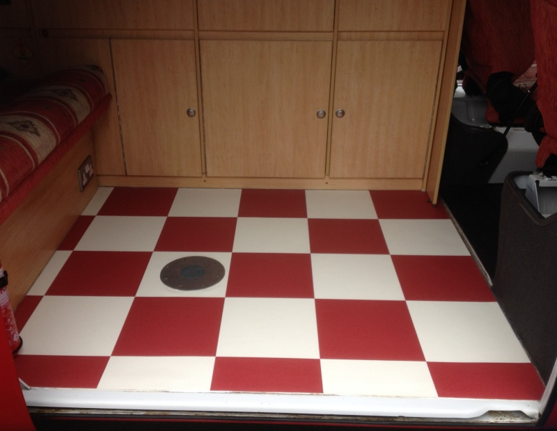How to lay a new vinyl floor Camper10