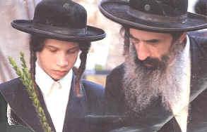 Judentum - Orthodox - Ultraorthodox - Geschichte - Kleiderordnung - Strömungen im Judentum - Aufklärung zu Vorurteilen  Outfit10