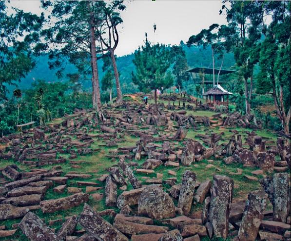Gunung Padang - Indonésie - Asie du Sud Sans_t11