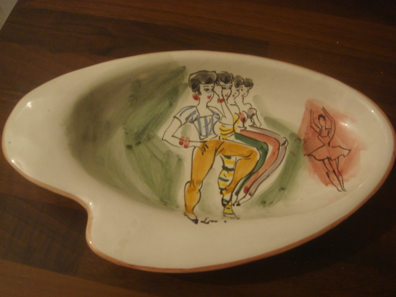 Italian dish with flower mark by Il Quadrifoglio, Florence Copied28