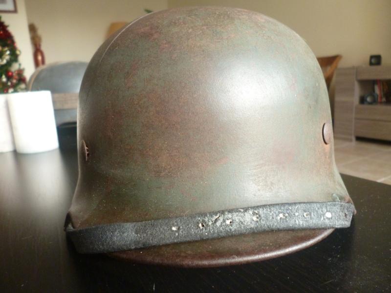 M40 coque Heer - 1 insigne (impacté) P1010710