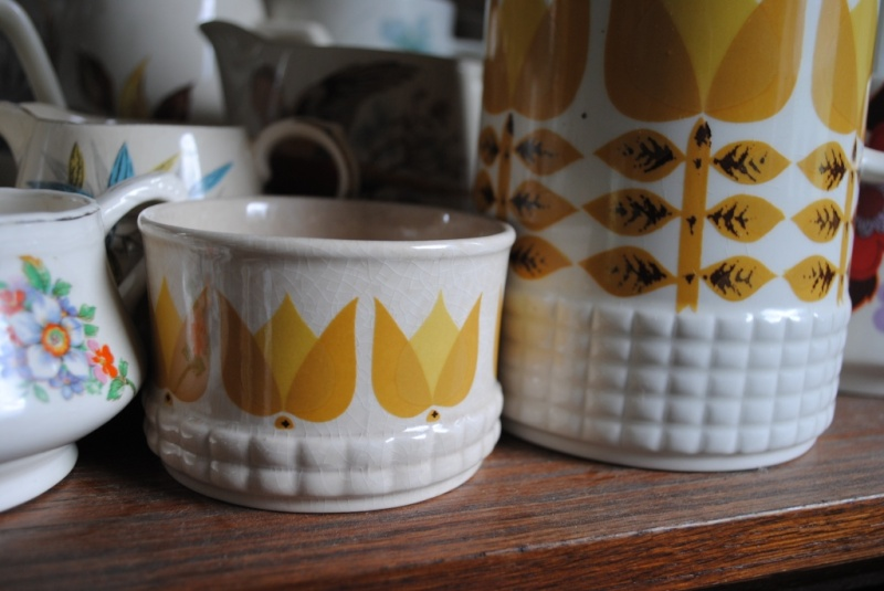 Todays find (exciting for me )Sugar Bowl to match  01110