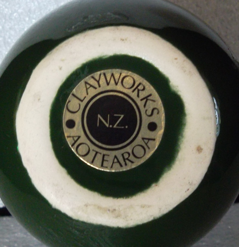 Clayworks NZ impressed mark for GALLERY 02411