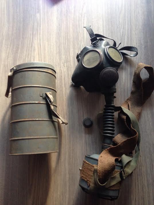 Collection masque anti gaz maj - Page 2 Engleb10
