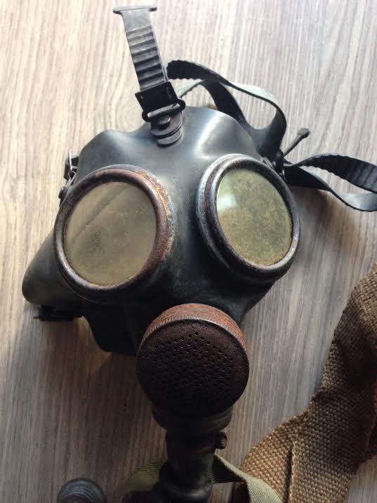 Collection masque anti gaz maj - Page 2 Engleb11