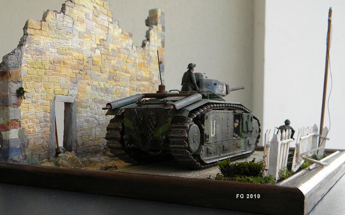 les chenilles et les canons 10121512