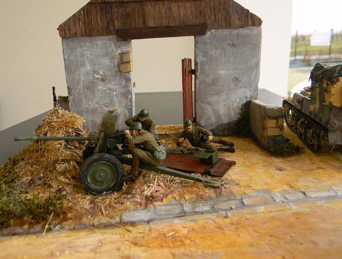 les chenilles et les canons 10122710