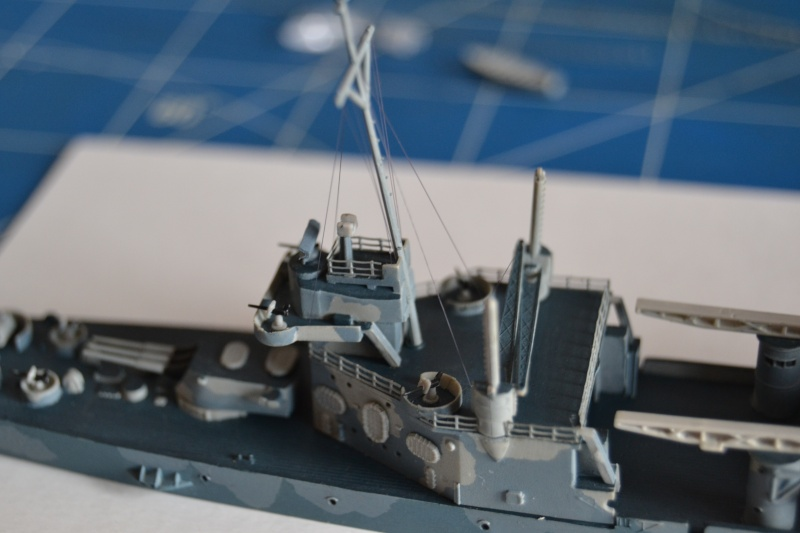 USS VINCENNES CA-44 1/700 TRUMPETER - Page 3 Dsc_0210