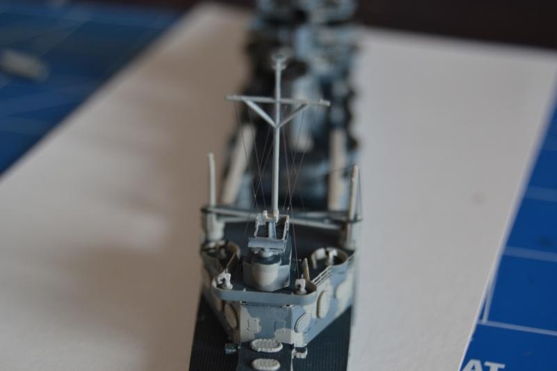 USS VINCENNES CA-44 1/700 TRUMPETER - Page 3 Dsc_0211