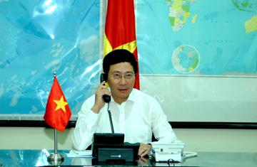 Phó Thủ tướng, Bộ trưởng Ngoại giao Phạm Bình Minh điện đàm với Bộ trưởng Ngoại giao các nước 20-die11