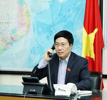 Phó Thủ tướng, Bộ trưởng Ngoại giao Phạm Bình Minh điện đàm với Bộ trưởng Ngoại giao các nước 20_ptt10