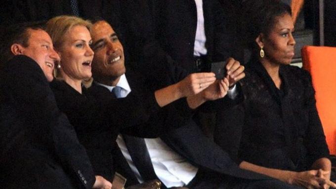 """Những bức ảnh gây """"bão"""" của ông Obama 67704210"""