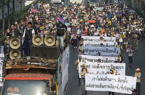 Tình hình Thái Lan - Page 2 Aleqm510