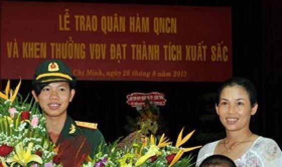 Nữ thượng úy trẻ nhất QĐND Việt Nam Captur10