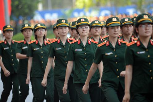 Những nữ chiến sĩ xinh đẹp tại trường Đại học Trần Quốc Tuấn Images19