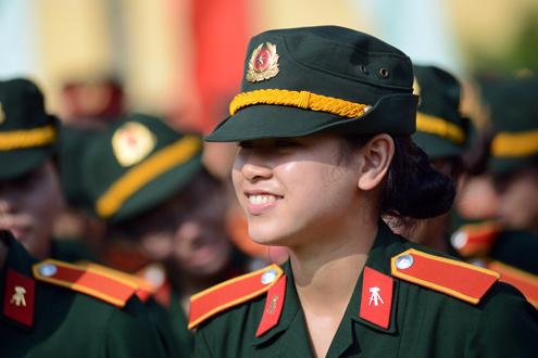 Những nữ chiến sĩ xinh đẹp tại trường Đại học Trần Quốc Tuấn Images20