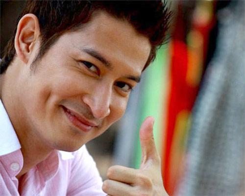Những người nổi tiếng trong giới showbiz qua ngòi bút Lê Hoàng Khanh-11