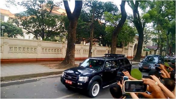Tìm hiểu xe phá sóng đi theo đoàn xe tang của Đại tướng Phat_s10