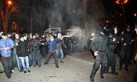 Tình hình Ukraine - Page 3 Police10