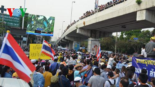 Tình hình Thái Lan Thai-l10