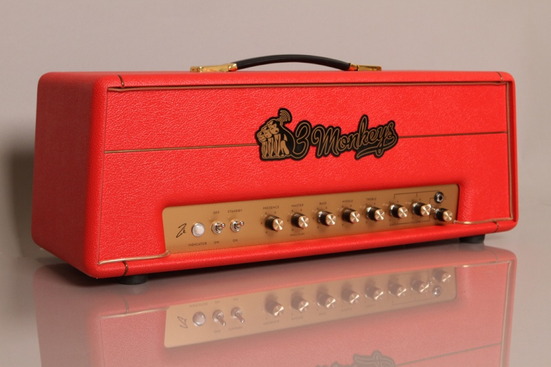 Very cool amp guitar............ Za-red10