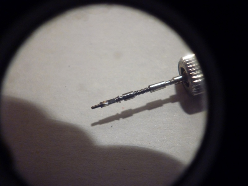 Tige de remontoir vrillée P1050218
