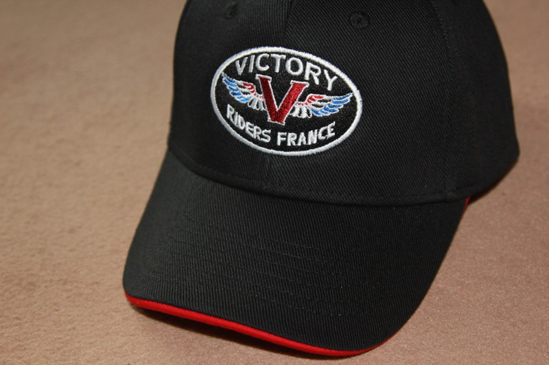 Casquettes Brodées Victory Riders France - Page 2 Casque11