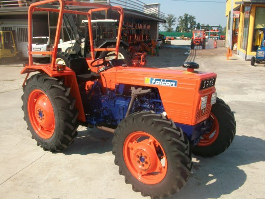 Petits tracteurs 4 roues motrices Gebrau10