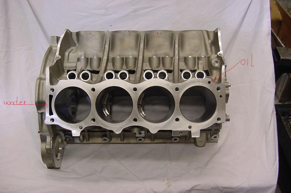 Moteur V8 Turner HS - Page 2 V8newb10