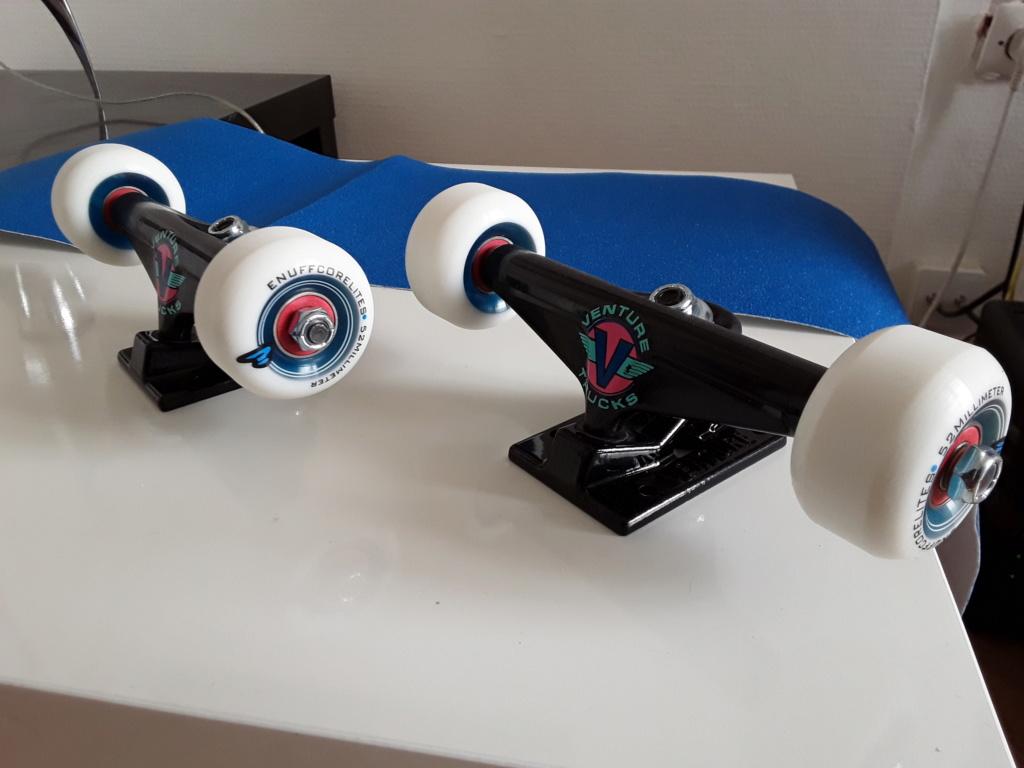 Skateboard complet neuf  20200611