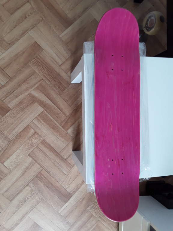 Skateboard complet neuf  20200612