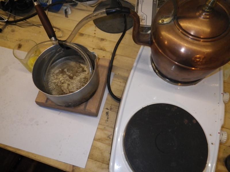 Comment distilleriez-vous de l'eau en mode MacGyver? - Page 2 Imgp1610