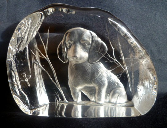 Howling Relief Paperweight with Dog & Dragonfly - Signature ID? P1050313
