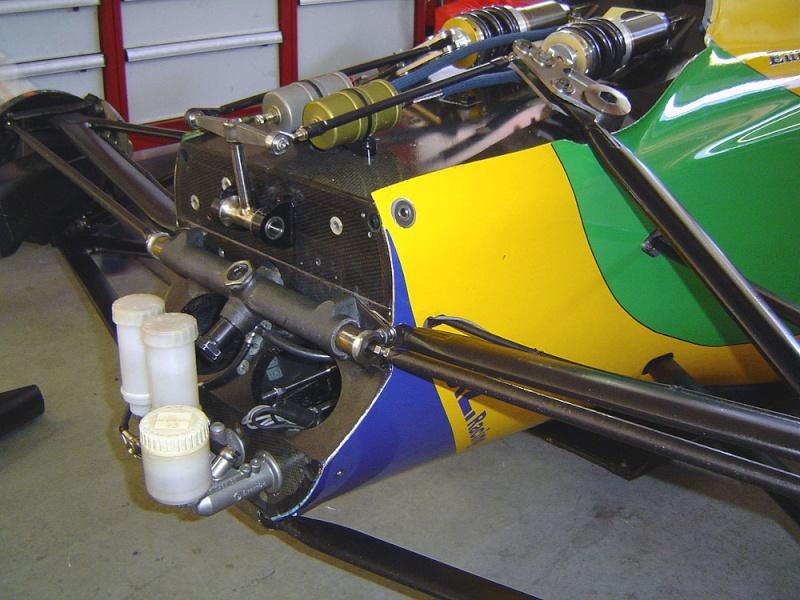 Benetton B192 - Page 4 Benett10