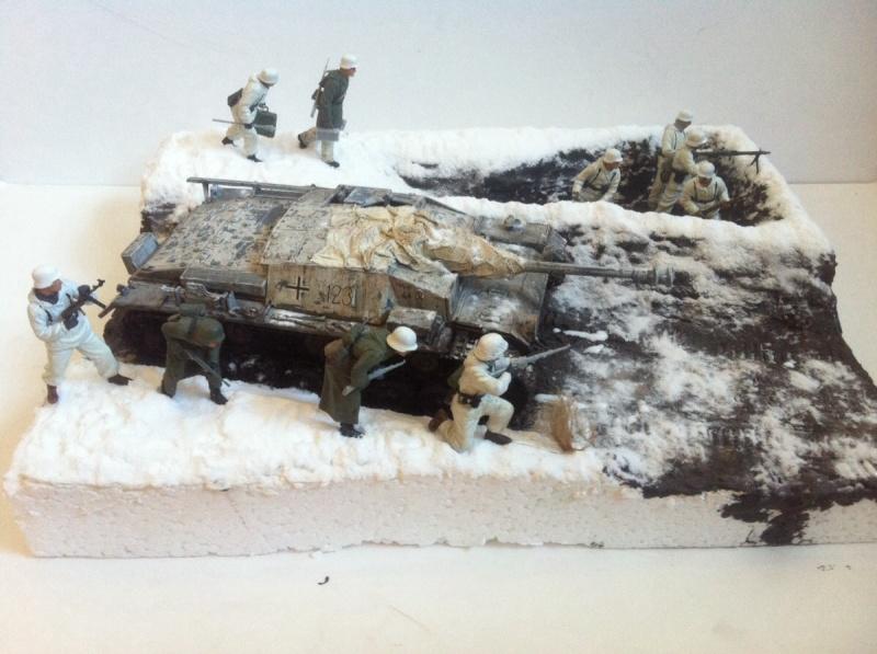 Stug III Ausf. C/D w/7.5cm L48 [Cyber Hobby 1/35] -Terminé- - Page 2 Img_0028
