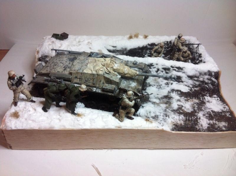 Stug III dans la boue en appui d'infanterie. Img_0120