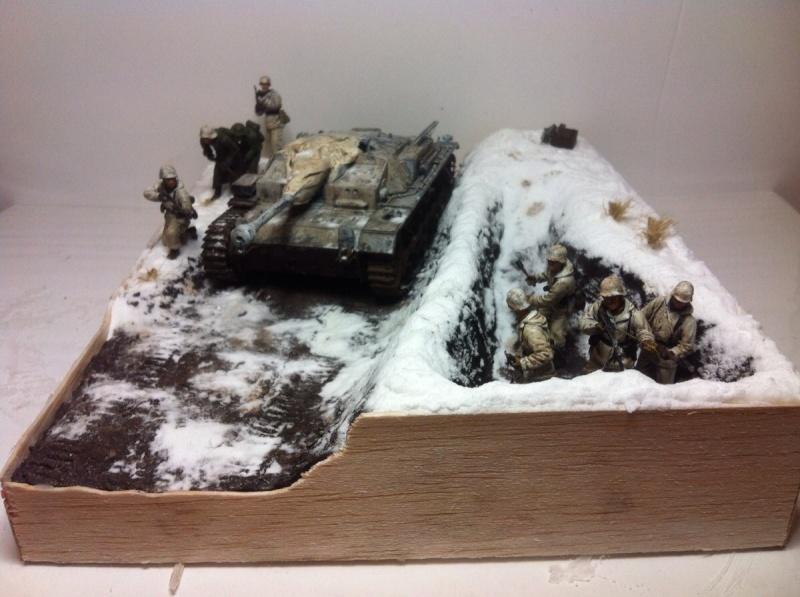 Stug III dans la boue en appui d'infanterie. Img_0122
