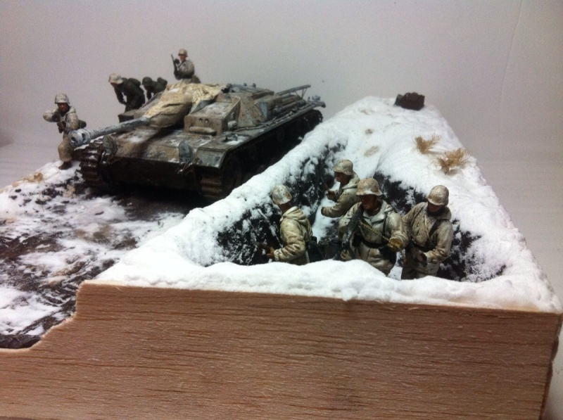 Stug III dans la boue en appui d'infanterie. Img_0123