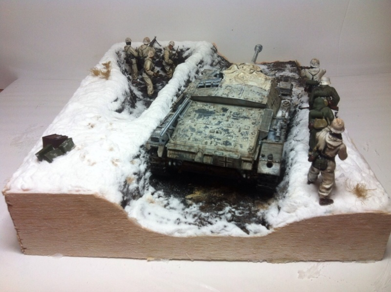 Stug III dans la boue en appui d'infanterie. Img_0127