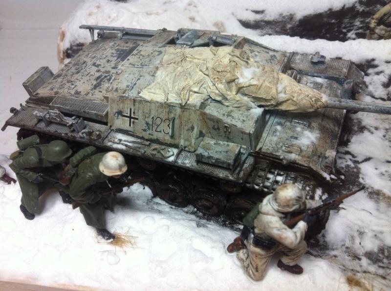 Stug III dans la boue en appui d'infanterie. Img_0131