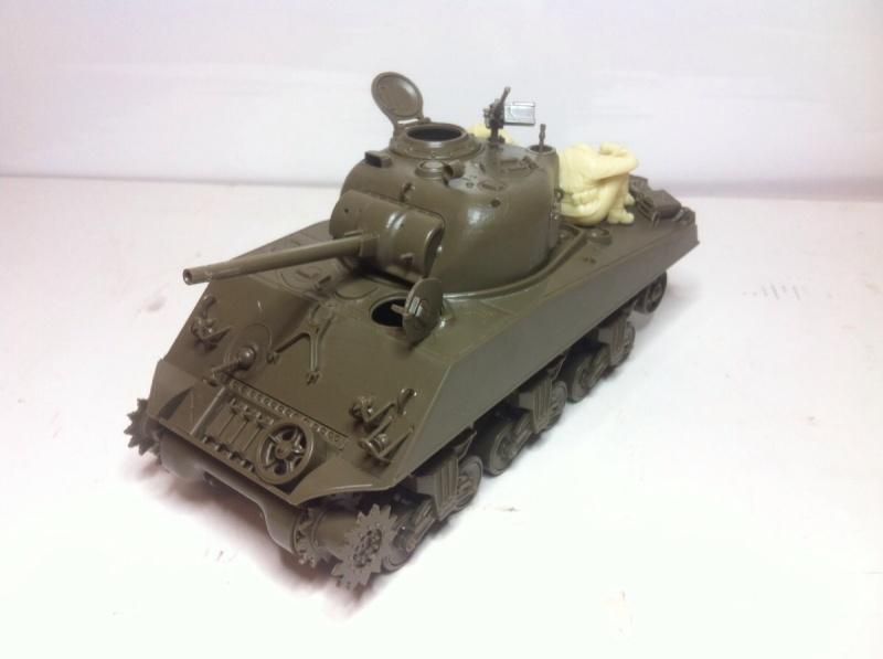 Sherman M4A3 75mm [1/35 Tamiya] -Terminé- Img_0144