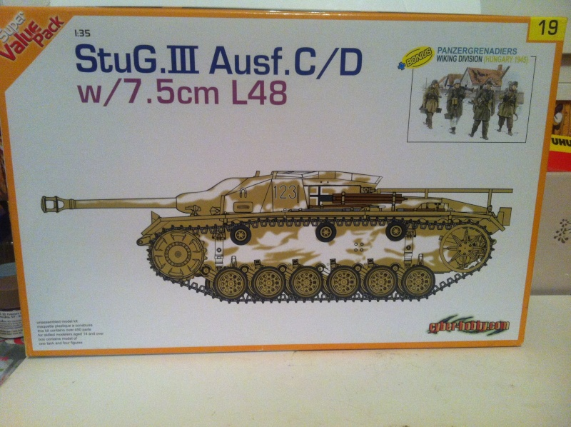 Stug III Ausf. C/D w/7.5cm L48 [Cyber Hobby 1/35] -Terminé- Img_0933