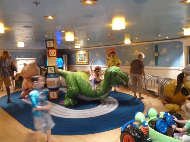 Les Disney Geek retournent en Floride pour une croisière et WDW [fini!] - Page 3 P1100022