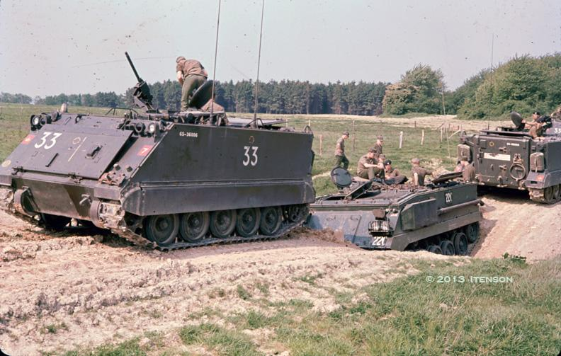 Canadian M-113 Rescuing a Royal Fusiliers' FV432  Alex_i10