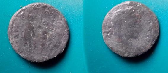 2 monnaies Romaine très petites Img_2032