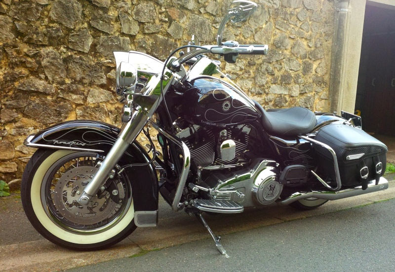 Selle HD Brawler ou Mustang Wide Tripper Solo Img_0010