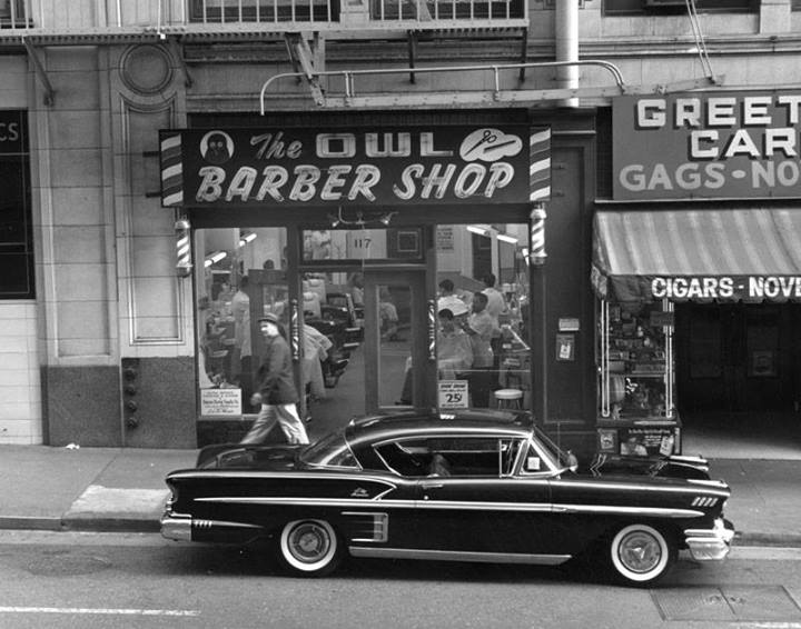 Rues fifties et sixties avec autos - 1950's & 1960's streets with cars 10144010