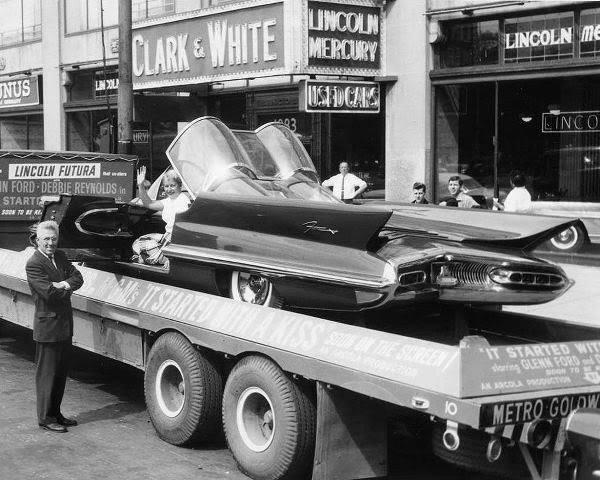 Lincoln Futura 1955 10300810